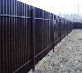 забор из профлиста темный